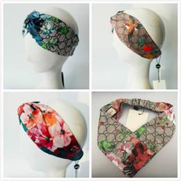 Flores de seda para headbands on-line-Headbands designer de seda bandas de cabeça para homens e mulheres flores vermelhas beija-flor verde flores letras bandas de cabelo elástico cruz