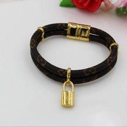 2019 nièce charme Célèbre Rétro Bling Bracelets Bling Mode Femmes Bracelets Bracelet en or serrure pour cadeau Vente directe d'usine