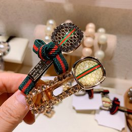 Accessori per capelli rossi delle donne online-New Red Stripe Designer Letter Clip Luxury Hair Clip Women Letter Strass Barrettes Accessori moda per capelli