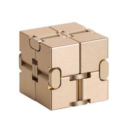 2019 boîtes de cadeau de cube Aluminium éducatif en alliage d'aluminium moulé sous pression Infinity Cube Fidget Magic Cube Dépressurisé Relax jouet de décompression cadeau avec jolie boîte boîtes de cadeau de cube pas cher