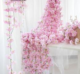 videiras de cerejeiras artificiais Desconto 200 cm Artificial Cherry Blossoms Flor Decoração Do Casamento DIY Rattan Garland Simulação flores videira Partido Início grinalda GB794