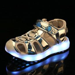 2019 sandales usb 2018 Argent été Enfants Led Light Sandales enfants de charge USB LED chaussures lumineuses Filles Garçons Sandales de plage confortable 26-37 sandales usb pas cher