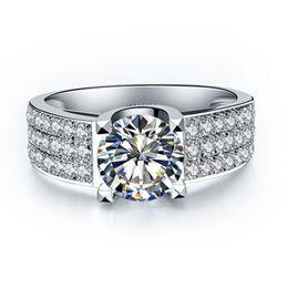 Canada Bagues de fiançailles en diamant avec diamants synthétiques de 1 ct pour femmes Offre