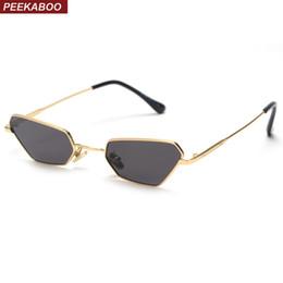 c97580acb20bf Atacado moda pequenos óculos de sol mulheres 2019 armação de metal retro  olho de gato óculos de sol para as mulheres claras lente uv400 masculino  acessível ...
