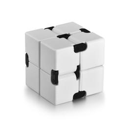 2019 cool fidget spinners Infinito Cubo Fidget Toy para Crianças e Adultos, Fidget Cube Fresco Mini Cubo Mágico Spinner Gadget para Alívio do Estresse e Ansiedade cool fidget spinners barato