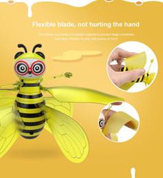Canada Jouets volants d'abeille de HUASAN, jouet d'hélicoptère à suspension contrôlé par la main défiant la gravité, drone d'intérieur à induction de drone interactif jouets Offre