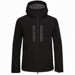 2019 ropa de temporada de invierno bebé al aire libre que va de excursión chaqueta deportiva cazadora chaqueta de cáscara suave capa exterior hombres libres del envío