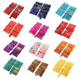 Китайские наушники онлайн-Classic Chinese Embroidery Jewelry Bag Small Pouch Bag Gift Storage Organizer Handmade Embroideries Earphone Hot Sale