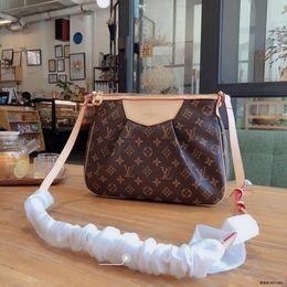 Nanokette online-New style Womens Designer Luxus Nano Noe BB Turenne Handtaschen Rivoli Brown Leder Lady Fashion Griffe Chain Party Tote