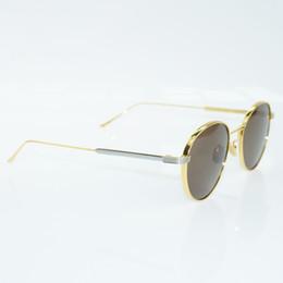 occhiali da sole alla moda degli uomini Sconti Occhiali da sole alla moda Nuovo arrivo Occhiali da sole in titanio Montatura per uomo Occhiali da lettura per computer Moda Occhiali per la decorazione di guida all'aperto