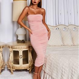 2019 vestido de noche de bodas blanco largo Diseñador Vestido de mujer Discoteca Marca 2019 Año nuevo Mujeres de Europa y América Discoteca ajustada Falda larga de las mujeres Vestido plisado atractivo de la honda