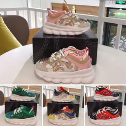 Nuevos zapatos de llegada para niños online-Versace Chain Reaction Cross Chainer Cadena de zapatos casuales para niños Entrenadores Moda Negro Blanco Rosa deportes de los niños de diseño zapatillas de deporte casuales