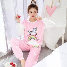 Noel Pijama Yetişkin 2018 Kış Sıcak Flanel Pijama Takımı Kız Sevimli Karikatür Kadınlar pijamalar Baskı Ev Giyim nereden kanguru hoodie tedarikçiler