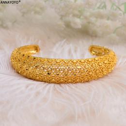 gold armbänder designs für mädchen Rabatt Annayoyo 1 Stücke Offenes design Dubai Gold Armreifen Für Frauen Männer Gold Armbänder Afrikanischen Europäischen Äthiopien Mädchen Jäten Armreifen Geschenk
