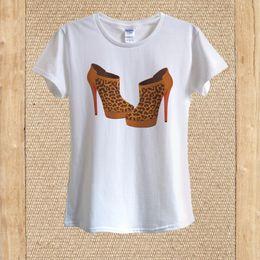 2019 tacones altos de estampado leopardo blanco Camiseta de tacón alto con estampado de leopardo 100% orgullo para hombre camiseta oscura blanco negro gris pantalones rojos camiseta traje sombrero rosa camiseta rebajas tacones altos de estampado leopardo blanco