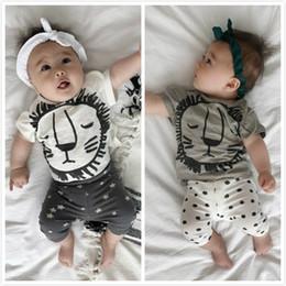 Camiseta de niños recién llegados online-Hot INS Baby boy set de ropa Cute Lion camiseta manga corta + Pantalones cortos Estrellas Traje infantil 2pcs Set 2019 verano Nueva llegada