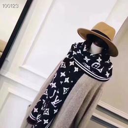 Involucri di cachemire donna online-Sciarpa del progettista delle donne Sciarpe di lusso di marca Sciarpe di cachemire per l'inverno Womens e mens involucri lunghi senza scatola Dimensioni 190x70cm
