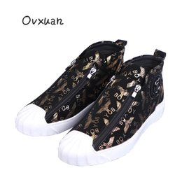 Wholesale OVXUAN Or Eagle Metal Star Shell Toe Chaussures De Skateboarding Baskets Hommes Appartements Confortable De Luxe Haut Haut Mocassins Chaussures Pour Hommes