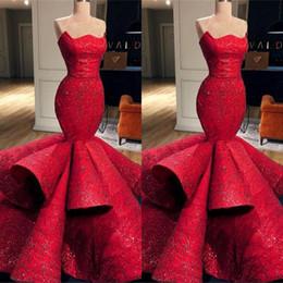 abiti da sera rossi senza spalline Sconti Nuovo arrivo rosso sirena prom dress 2019 senza spalline in rilievo di pizzo pavimento lunghezza arruffato abiti da sera spettacolo pageant