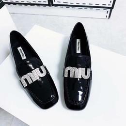Marka Nakliye Moda Düz dipli sondaj Kadınlar Pompaları Siyah Deri Çivili Noktası Toe Yüksek Ayakkabı Gerçek Fotoğraf Yeni nereden siyah bıçaklı stiletto tedarikçiler