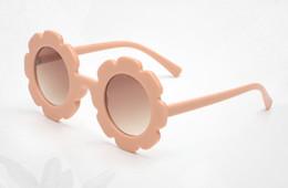 2019 accesorios de niña de caramelo Gafas de sol para niños niños color caramelo marco de flores gafas de sol playa princesa accesorios 2019 verano para niños bloqueador solar F5943 accesorios de niña de caramelo baratos