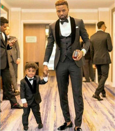 best tie grey suit Coupons - High Quality Wedding Tuxedos One Button Charcoal Grey Groom Tuxedos Shawl Lapel Slim Groom Groomsman Best Man Suits(Jacket+Vest+Pant+Tie)