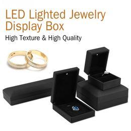 Anillo de joyero con luz LED / Colgante / Pulsera / Collar Estuche de exhibición de joyas Caja de almacenamiento de regalo 4Types Anillo de compromiso de boda desde fabricantes