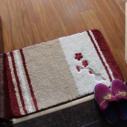 Canada Tapis de sol brodé doux et confortable avec motif de fleurs Tapis de sol en microfibre Shaggy et tapis Tapis absorbants antidérapants supplier embroidered floor mats Offre