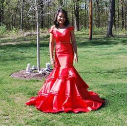 2-teiliges fischschwanz-abschlussballkleid online-Sexy Red Mermaid Zweiteiler Abschlussballkleider 2019 Neuer Stil Weg Von Der Schulter Fischschwanz Mädchen Lange Kleider Abendkleidung