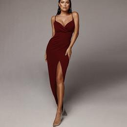 16c63db7f4 Mulheres Spaghetti Strap Dresses Sexy Gargantilha Aberta Com Decote Em V do Vestido  2019 Marca de Moda Estilo Boate Saias S-L Tamanho Saia de Verão