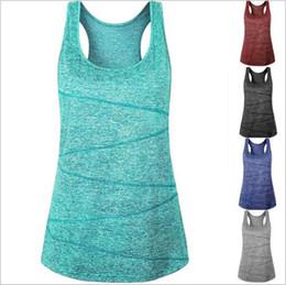Yoga camis онлайн-Женская одежда Yoga Fitness Tanks Summer Run Спортивные майки без рукавов Тройники Модные повседневные топы Quick Dry Блузки Костюм Vestidos 4759