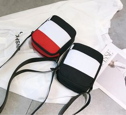 En Popüler Tasarımcı Spor Omuz Çantaları Oxford Bez Mini Messenger Çanta Cep Telefonu Çantası Rahat Erkek Kadın Sırt Çantası Gelgit Çantası Ücretsiz nakliye nereden