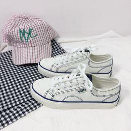 White women s canvas shoes slip on-line-Branco Esportes Ao Ar Livre Sapatilhas das Mulheres Sapatos de Lona das Mulheres de Moda Confortável Deslizamento Sapatos Vulcanizados Verão Sapatos Casuais