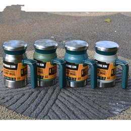 Fare tazze online-Outdoor House Camp Mug Double Deck con maniglie Bottiglia d'acqua con coperchio Make Tea Filter Tea Cup Hot Sale 34syI1