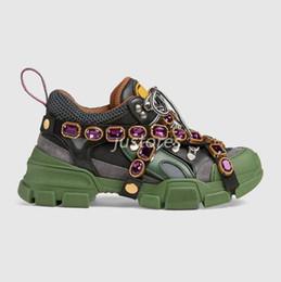Botas italianas hombres botas online-2019 TOP Size 35-45 Hombre Mujer Zapatilla de deporte Zapatilla de deporte con SEGA Crystal Zapato de lujo italiano Botas de excursionismo al aire libre Unisex Zapato informal