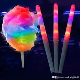 Bastoni di cotone online-I nuovi bastoncini luminosi con bagliore di zucchero filato a LED si accendono con cono lampeggiante Fata con filo interdentale Lampada da casa Decorazione per feste