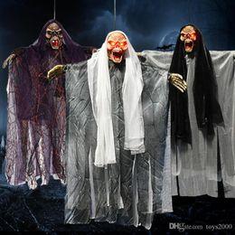 Pingente elétrico on-line-Fantasma do dia das bruxas Bruxa Pingente Decoração Elétrica Crânio Controle de Som Pendurado Fantasma Adereços Terror Susto Roupas de Desempenho