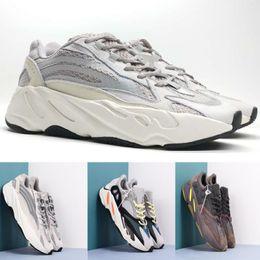 innovative design 6c0aa 4f37c Adidas yeezy 700 shoes Vendita calda 700 Kanye West Wave Runner designer  700 Scarpe da corsa Uomo Donna 700 Traienr Sport Scarpe da ginnastica  Runner di ...