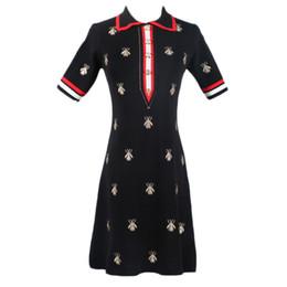 Vestidos bordados para senhoras on-line-Senhoras Vestido De Verão Nova Gola Alta Abelha Bordada Cintura Alta Longo Fino Senhoras De Malha Vestido S-L Tamanho