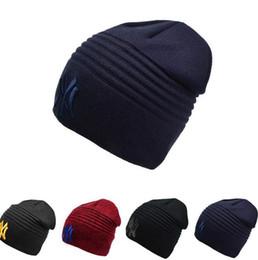 Kırmızı siyah Kış Sıcak Örme Şapka NY Harfler Işlemeli Beanie Unisex Moda Açık Kayak Vb Gibi Caps Için nereden ny kırmızı kep tedarikçiler