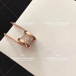 c14b98f78995 Tiene sello Diseñador de diamantes Mini collar de primavera pareja de  mujeres se casan conjuntos de compromiso de boda Regalo de los amantes  joyería de lujo ...