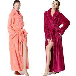 Sexy Hombres Mujeres Bata de baño Larga Albornoz Coral Terciopelo Pijamas Cuerpo Spa Baño Súper absorbente Vestido de baño de secado rápido Toalla desde fabricantes