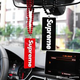 Ver presente on-line-Carro Pingente Acrílico Moda Raging Automóvel Espelho Retrovisor Encantos Guarnição Suspensão Suspensão Enfeites de Presente