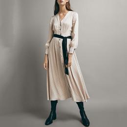 66b9726d0fc7 maniche lunghe del vestito midi Sconti Vestito a pois Donna con scollo a V  Puff a