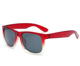 Graue marke sonnenbrille online-Fashion Classic Sonnenbrille UV400 Herren Damen Cool Shades Markendesigner Brillen Gardient Sonnenbrille Justins Grau mit Etui