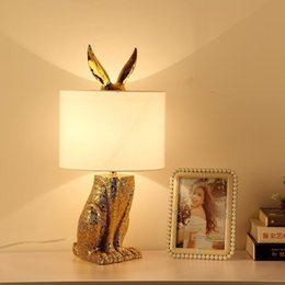 leuchtenbüro Rabatt Moderne Gold-Tischlampe Luster Design-Leuchten Wohnzimmer Schlafzimmer Nacht Büro-Kunst-Dekor-Beleuchtung Stoff Lampshade
