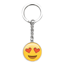 Barato Emoji sonriente cara tiempo joya llavero metal vidrio colgante llavero joyería europea y americana colgante desde fabricantes