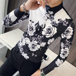 2019 pulsanti fotografici personalizzati Rose da uomo Designer Patterns Ropa De Hombre 2018 Button Up Uomini Manica Lunga Slim Fit Wedding del partito del randello