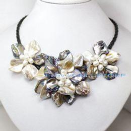 2019 weiße perlenhalskette entwirft gold Unique Pearls jewellery Store, Gelbe Farbe Shell Echte Süßwasserperle Schwarzes Seil Leder Halskette Handgemachter Blumenschmuck