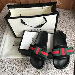 2019 heiße rote sandale heißer Verkauf marke Männer Strand Slide Sandalen Medusa Scuffs Hausschuhe Damen Herren schwarz weiß rot Beach Fashion slip-on designer sandalen günstig heiße rote sandale